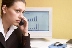 Tritt am Arbeitsplatz sexuelle Belästigung auf, sollten Betroffene nie tatenlos bleiben.