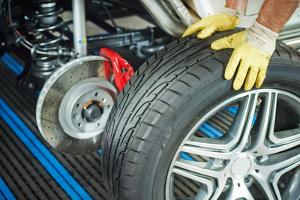 Arbeitsschutz und Gewicht: Heben und Tragen sollen Beschäftigte nur in einem bestimmten Rahmen.