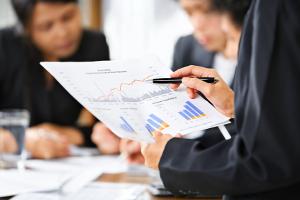 Die Betriebssicherheitsverordnung schreibt eine befähigte Person für bestimmte Prüfvorgänge vor.