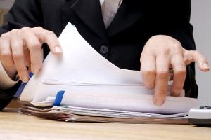Die Biostoffverordnung gibt die Untersuchung des Arbeitsplatzes vor. Arbeitgeber müssen diese dokumentieren.