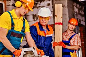 Wann ist ein Gehörschutz auf der Arbeit vorgeschrieben?