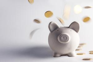 Die Rente nach einem Arbeitsunfall kann in selten Fällen zusammen mit dem Verletztengeld gezahlt werden.