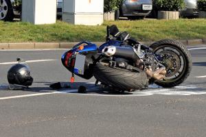 Ein Wegeunfall ist in der Regel wie ein Arbeitsunfall versichert.